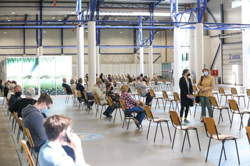 Vakcinacijos pokyčiai Vilniuje: nuo spalio pradžios kai kurie punktai ir skiepobusai nebedirbs