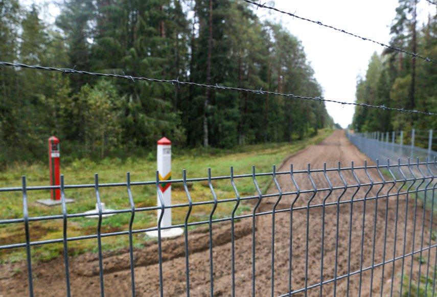 400 kilometrų tvorą pasienyje su Baltarusija siūlo statyti 12 bendrovių