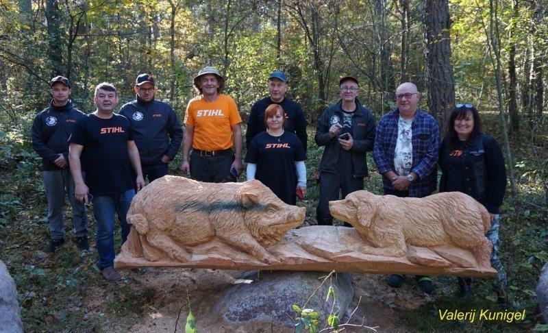 Birštoną papuošė naujos medžio skulptūros