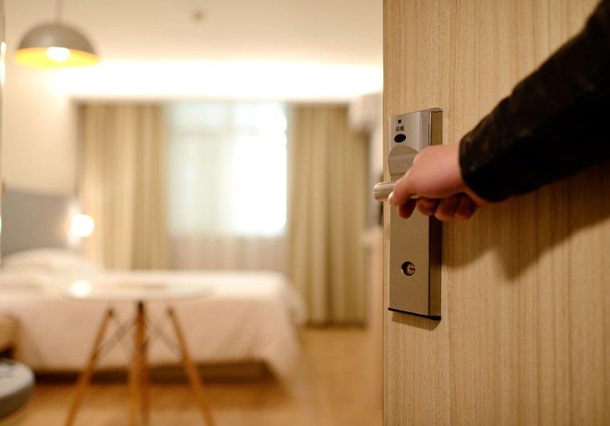 Vartotojų gynėjai pasidalijo patarimais, kad viešnagė viešbutyje neapkarstų