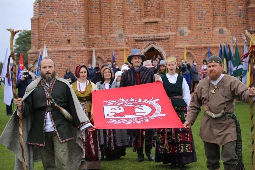 Zapyškyje suplevėsavo pašventinta Sūduvos vėliava