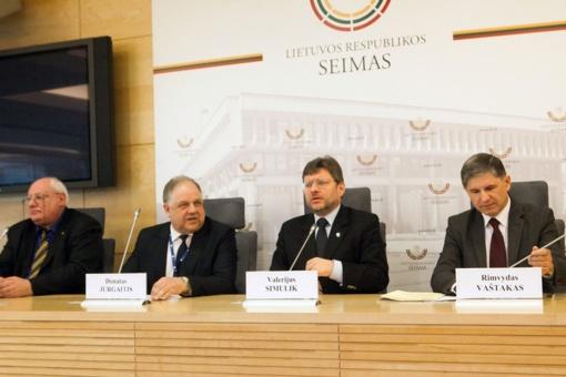 Seimo narių grupė išreiškė palaikymą Šiaulių universitetui