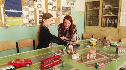 Šiaulių moksleiviai rungėsi saugaus eismo varžybose
