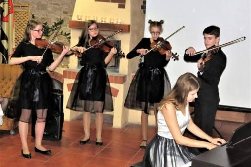 Juozo Pakalnio muzikos mokyklos mokinių pasiekimai įvertinti respublikiniuose ir tarptautiniuose konkursuose