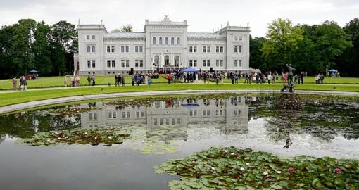 Žemaičių dailės muziejuje - profesoriaus Rimanto Balsio monografijų sutiktuvės