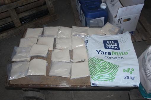Mažeikių bendrovė nelegaliai prekiavo chemikalais: šešėlyje ūkininkams pardavė tonas produkcijos