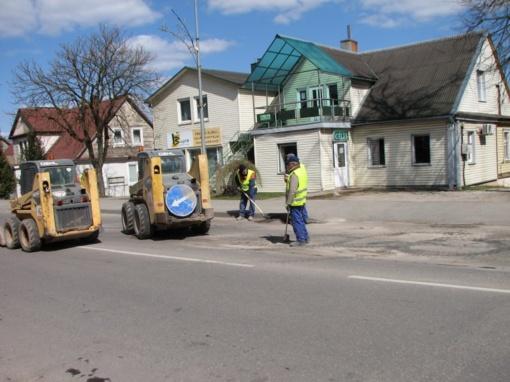 Pradėtos taisyti miesto gatvių asfalto išdaužos
