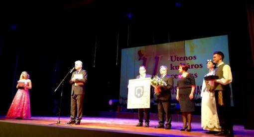 Pasveikintas aukščiausia kategorija įvertintas ir geriausiu 2016 metų šalies kultūros centru pripažintas Utenos kultūros centro kolektyvas