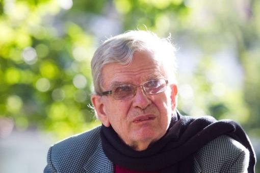 """""""Poezijos pavasario"""" laureatų būryje bus ir T.Venclova"""
