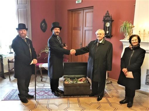 Romualdas Visokavičius palaimino naujus lietuviškus pinigus