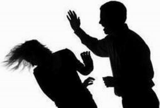 Dėl tėvų smurto nukentėjo trys maži šiauliečiai