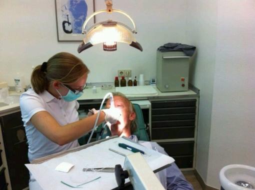 Skelbiamas dantų protezavimo paslaugų išlaidų kompensavimas Klaipėdos miesto gyventojams