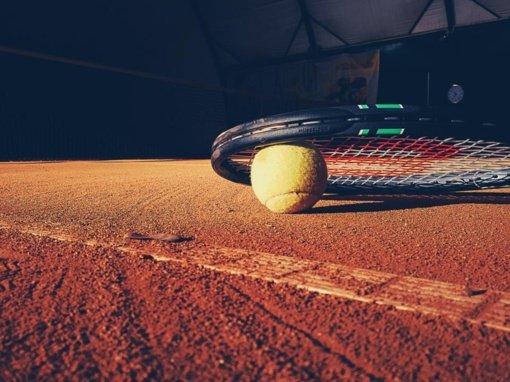 Dubingiuose kovojo teniso ir padelio mėgėjos
