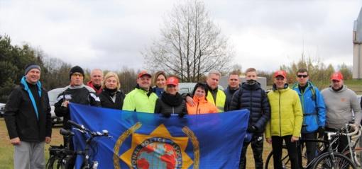 Klaipėdos poskyrio nariai dviračiais apvažiavo Dzūkijos piliakalnius