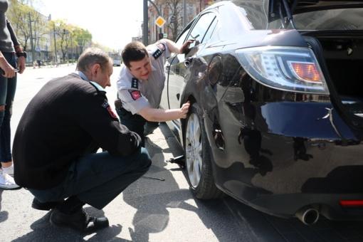 Vairuotojos kelionė netikėtai nutrūko prie pat policijos komisariato