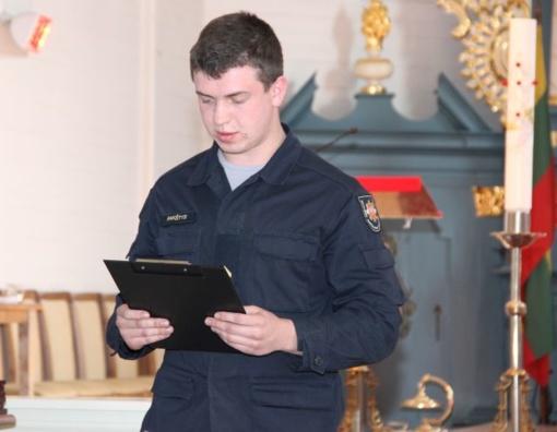 Su profesine švente pasveikinti ugniagesiai gelbėtojai