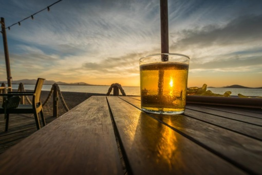 Seimas atmetė siūlymą piktnaudžiaujantiems alkoholiu nemokėti socialinių pašalpų