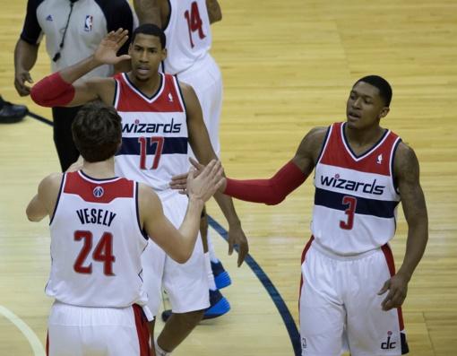 """NBA atkrintamosiose varžybose - """"Warriors"""" ir """"Wizards"""" pergalės"""
