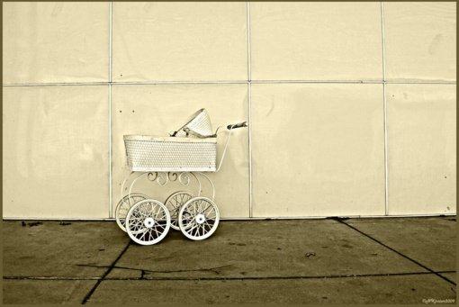 Molėtuose iš laiptinės pavogtas vaikiškas vežimėlis