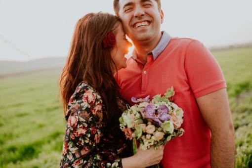 Gėlės per pirmą pasimatymą – moterys nori, bet dovanoti nereiktų