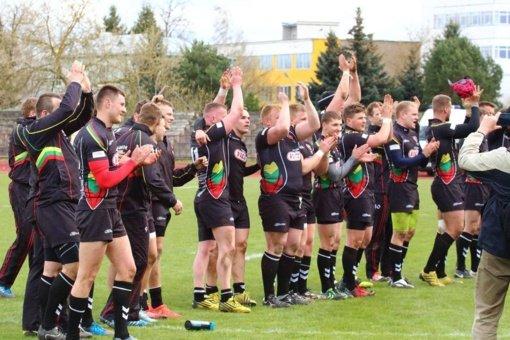 Lietuvos regbio rinktinė su švedais žais pasikeitusi