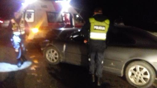 Girtas vairuotojas taranavo taksi