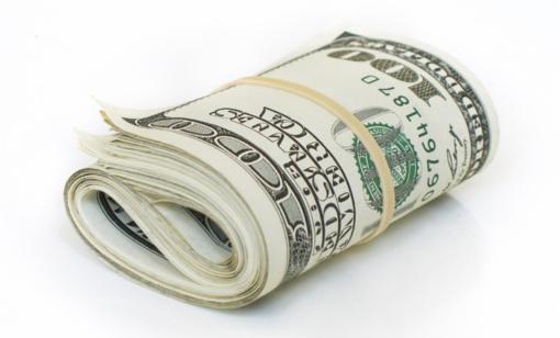 Pinigai – jaunavedžių geidžiamiausia dovana: kaip šiuos originaliai įpakuoti?