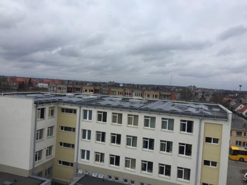 Vis daugiau Šiaulių apskrities policijos pastatų  stogų virsta atsinaujinančiais energijos šaltiniais