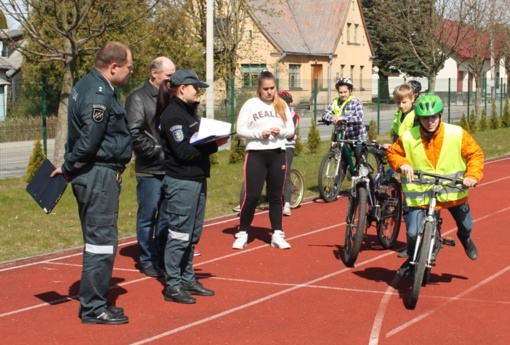 """Jaunųjų dviračių vairuotojų varžybų """"Saugus ratas"""" II etapas"""