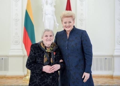 Valstybiniai apdovanojimai už didžiausią nuopelną Lietuvai