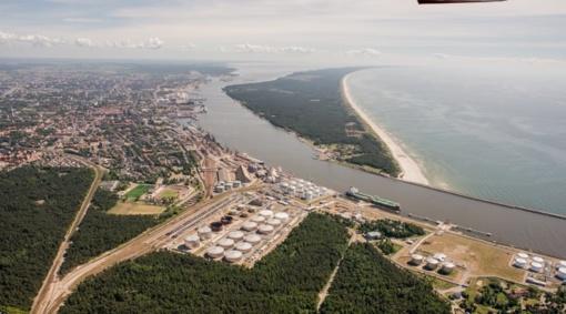 """""""Klaipėdos nafta"""" šiemetį balandį perkrovė mažiau naftos nei pernai"""