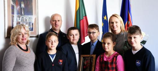 """Aukštadvario ir Lentvario """"Versmės"""" gimnazijų vaikai viešėjo Alanijoje"""