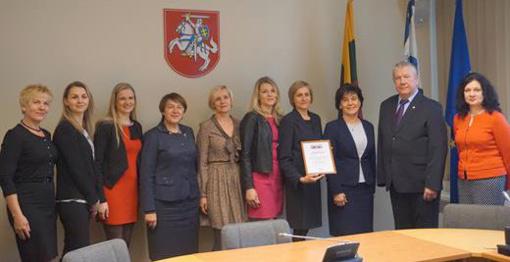 """Kretingos r. savivaldybės M. Valančiaus viešajai bibliotekai – """"Išminties marių"""" nominacija"""