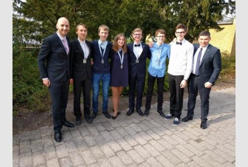 Europos Sąjungos gamtos mokslų olimpiadoje iškovoti du komandiniai sidabro medaliai