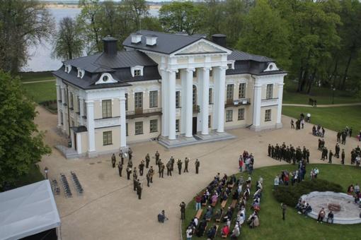 Paežeriuose vyko Partizanų pagerbimo, kariuomenės ir visuomenės suartėjimo šventė