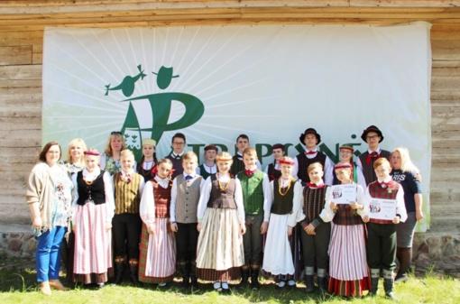 """Šalies mokinių folklorinių šokių varžytuvės """"Patrepsynė 2017"""""""