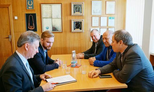 Plungės rajono savivaldybės vadovai susitiko su VRM viceministru G. Surpliu