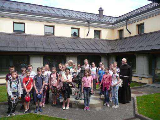 Dainų progimnazijos mokinių kelionė į Kryžių kalną
