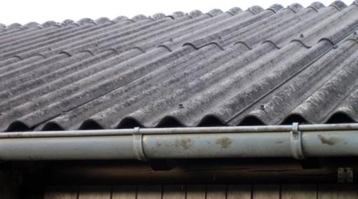Savivaldybės turėtų sukrusti, kad gautų dotacijas asbesto atliekoms šalinti
