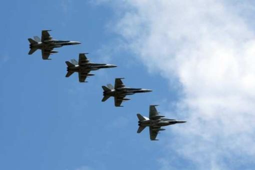 NATO naikintuvai du kartus lydėjo Rusijos orlaivius