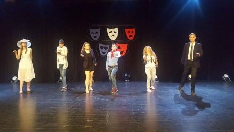 Raganos išvarymas arba kaip gimnazistai laimėjo III vietą frankofoniškųjų teatrų festivalyje