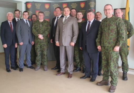 Lietuvos kariuomenės Jungtiniame štabe aptarti Valstybės gynybos klausimai