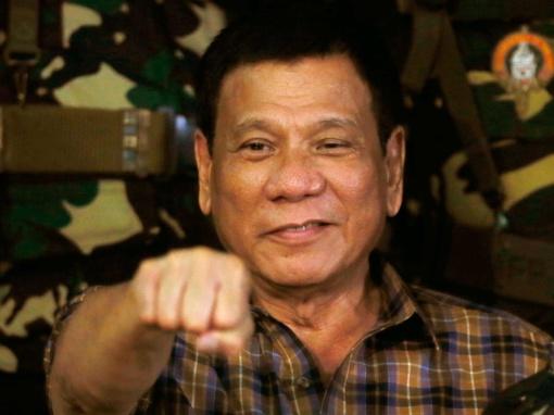 Filipinų prezidentas svarsto visoje šalyje paskelbti karo padėtį