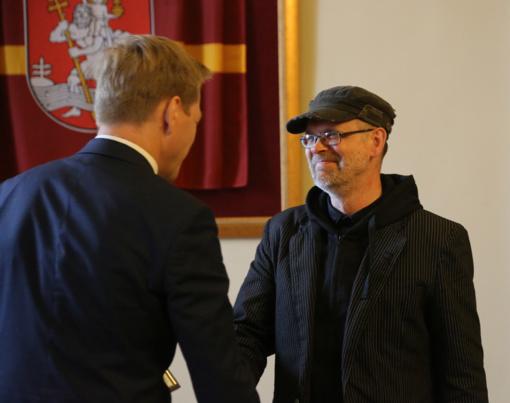 Poetui, vertėjui, literatūros kritikui D. Pocevičiui įteikta sostinės mero premija