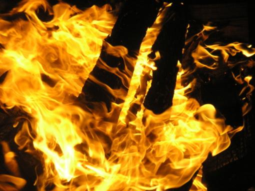 Bandydamas gesinti gaisrą nukentėjo 11-metis