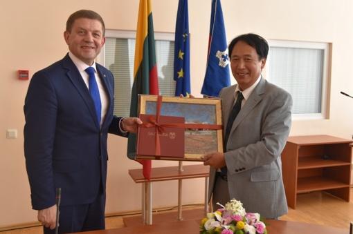 Šalčininkuose viešėjo Japonijos ambasadorius