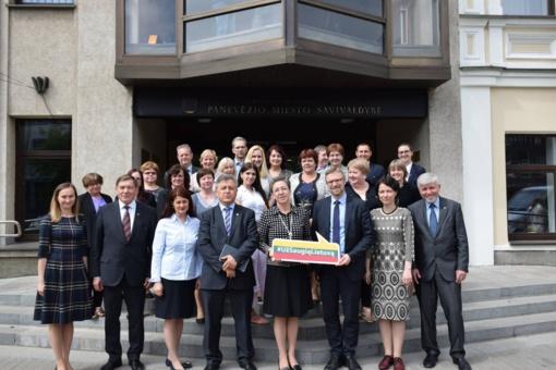 Panevėžio regionas raginamas aktyviai įsitraukti į institucinės globos pertvarką