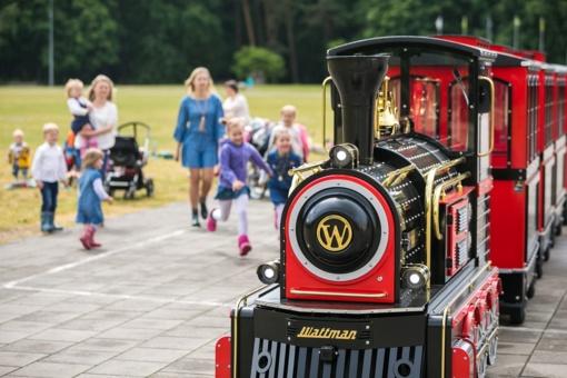 Pirmąją vasaros dieną į Vingio parką išriedėjo traukinukas