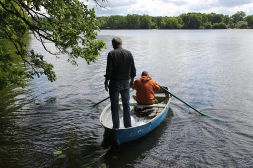 Mažeikių rajone Juodeikių tvenkinys praturtintas žuvimi