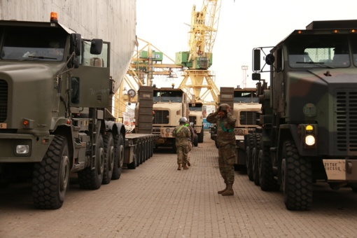 Savaitgalį galimi eismo apribojimai dėl Jungtinių Amerikos Valstijų karių technikos judėjimo